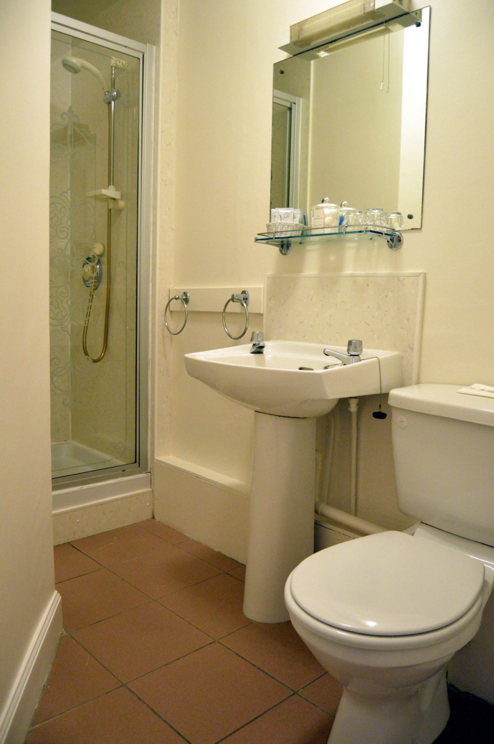 Room 4 Bathroom